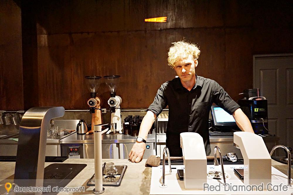 ร้านกาแฟ Red Diamond Coffee specialty coffee ย่านลาดพร้าว 71