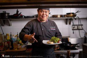 ทำความรู้จักกับ Chef Adul เชฟที่รังสรรค์อาหารฝรั่งเศสประจำร้าน Vinifera